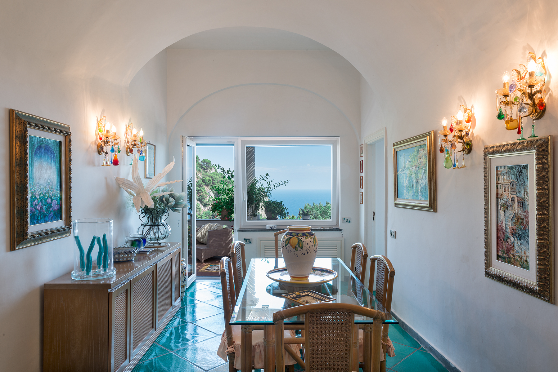 Additional photo for property listing at Beautiful villa just steps from the center of Capri Capri, Naples Italia