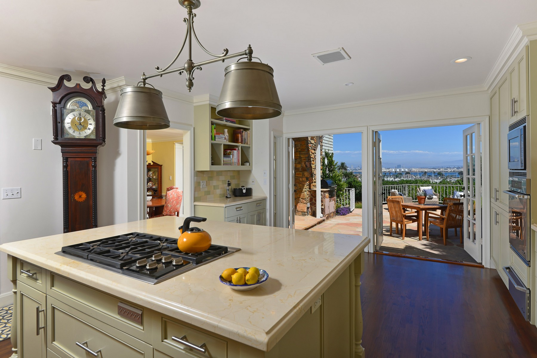 Additional photo for property listing at 515 San Elijo Street  San Diego, Californie 92106 États-Unis