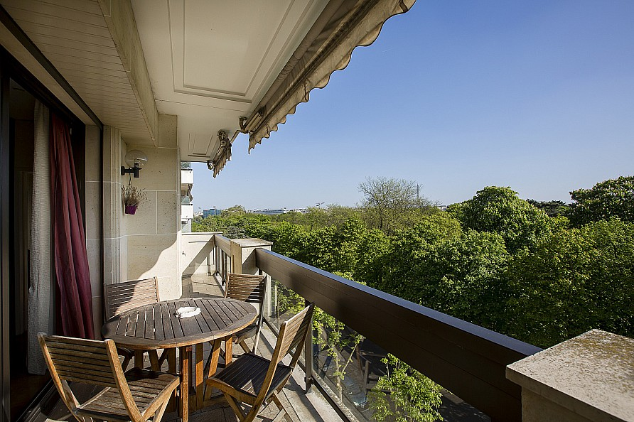 Property For Sale at Apartment overlooking the Bois de Boulogne