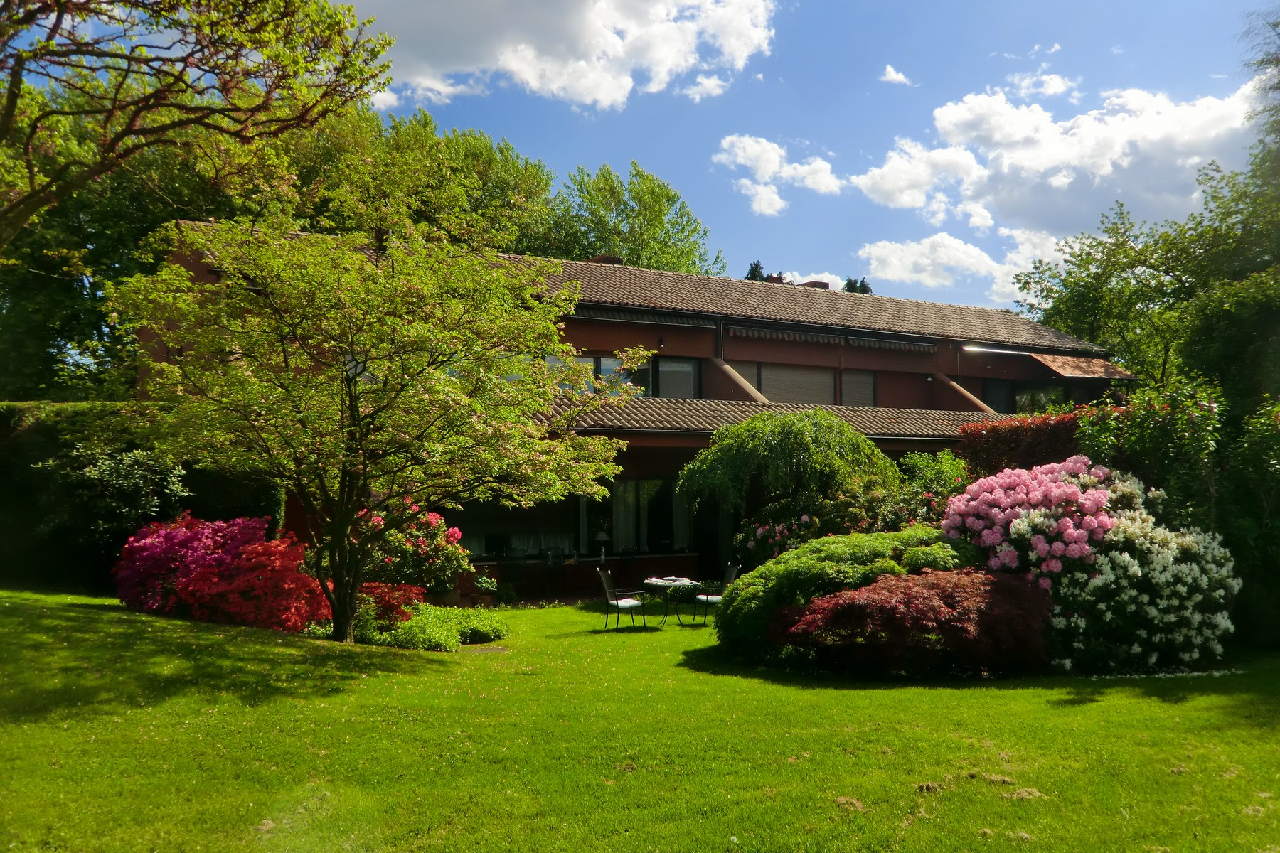 Appartement pour l Vente à Apartment in Golf Club Monticello Via Volta Monticello, Como 23876 Italie