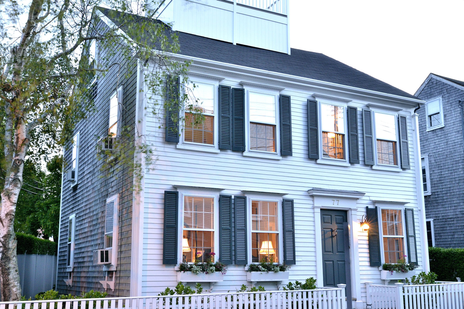 Casa Unifamiliar por un Venta en Simply Town! 77 Orange Street Nantucket, Massachusetts 02554 Estados Unidos