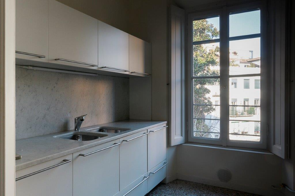 Additional photo for property listing at Bright apartment in historical elegant building Via Borgonuovo Milano, Milan 20121 Italia