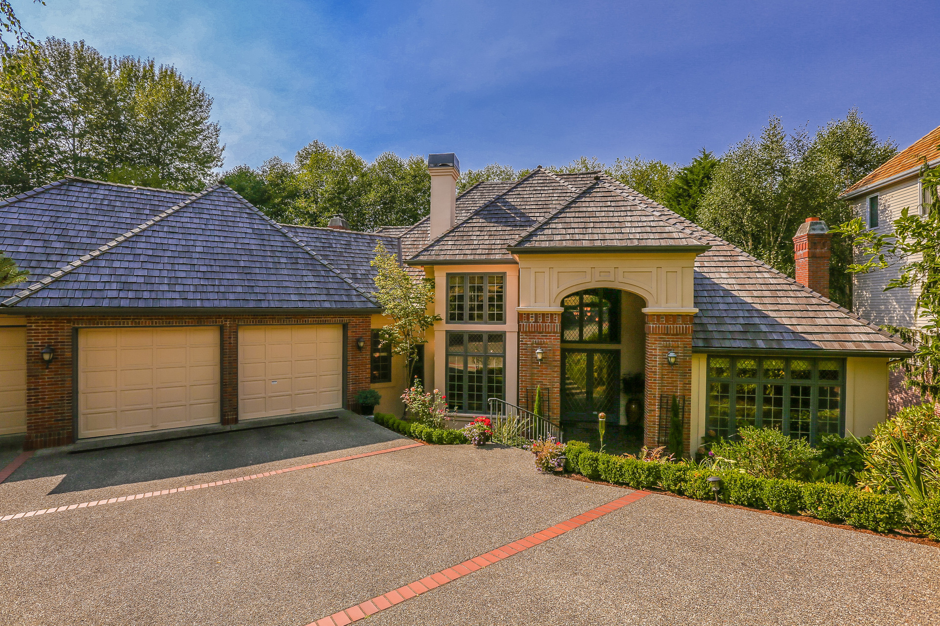 Property For Sale at Lakemont Woods Estate