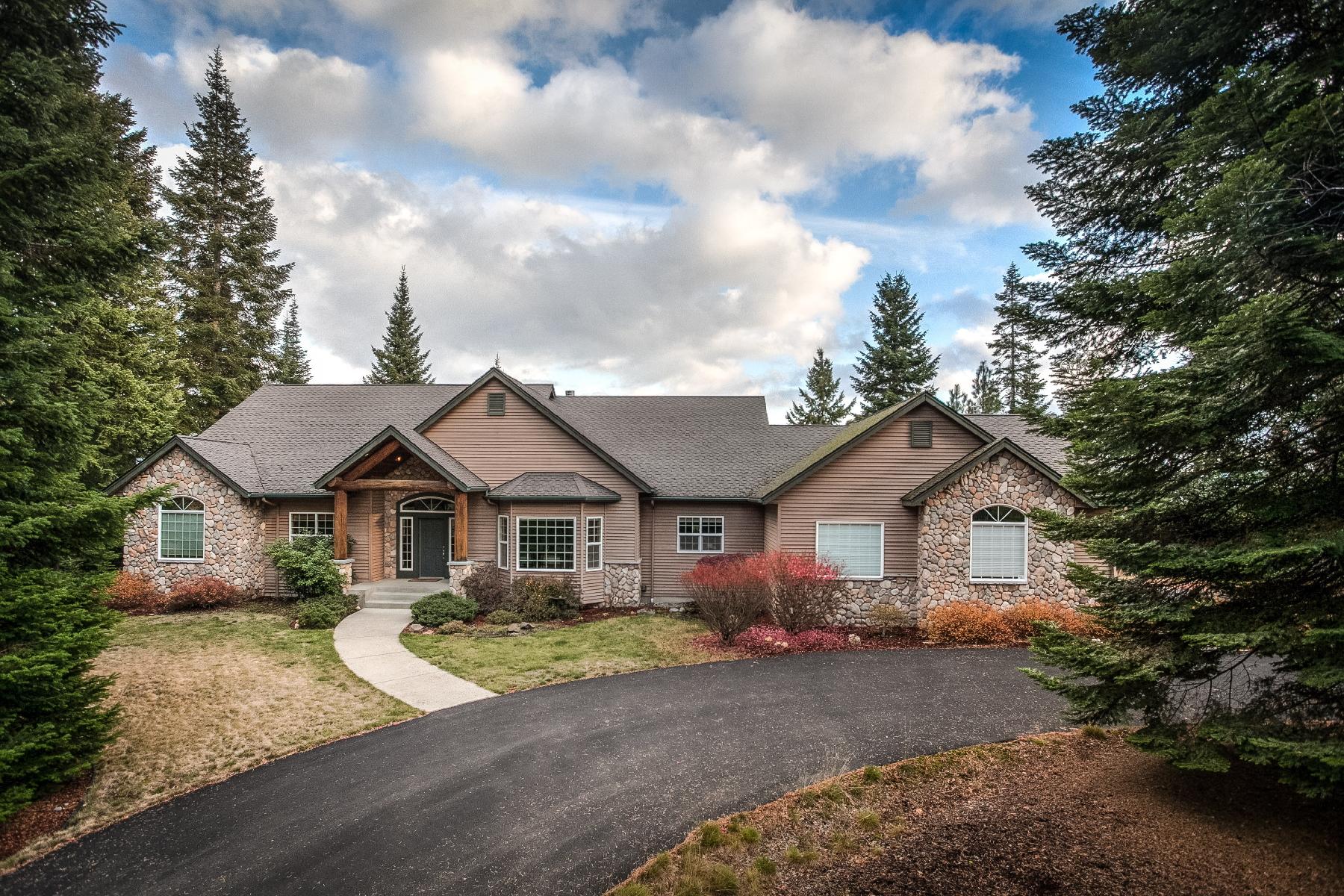 Casa Unifamiliar por un Venta en Country Living with Big Views 5491 E Shire Ln Hayden, Idaho, 83835 Estados Unidos