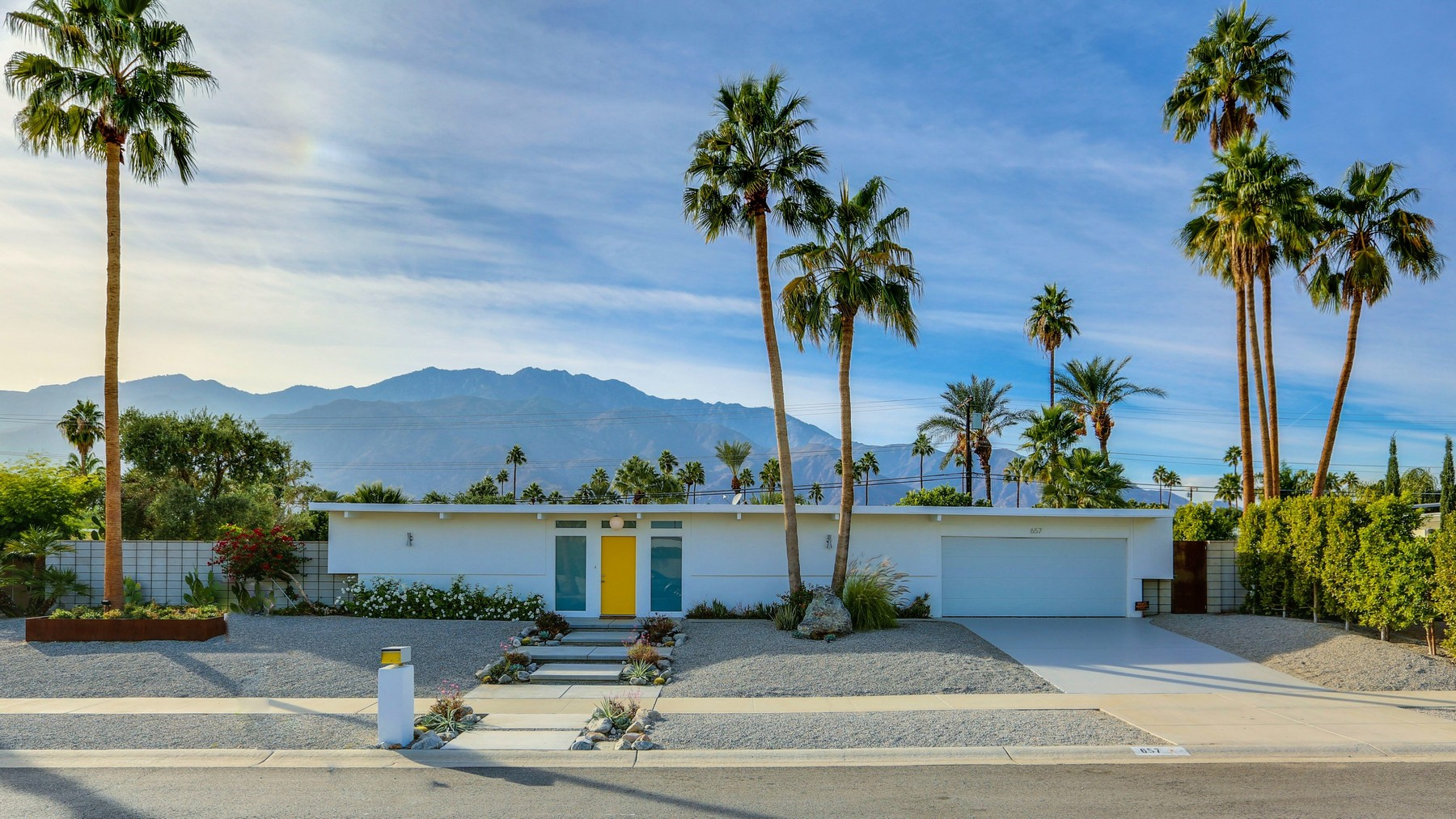 Single Family Home for Sale at 657 North Juanita Drive Palm Springs, California 92262 United States