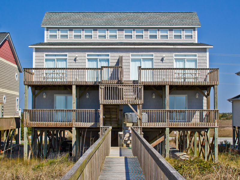 複式單位 為 出售 在 Oceanfront Majesty on the pristine shore of North Topsail Beach 3874 & 3876 Island Drive N Topsail Beach, 北卡羅來納州, 28460 美國