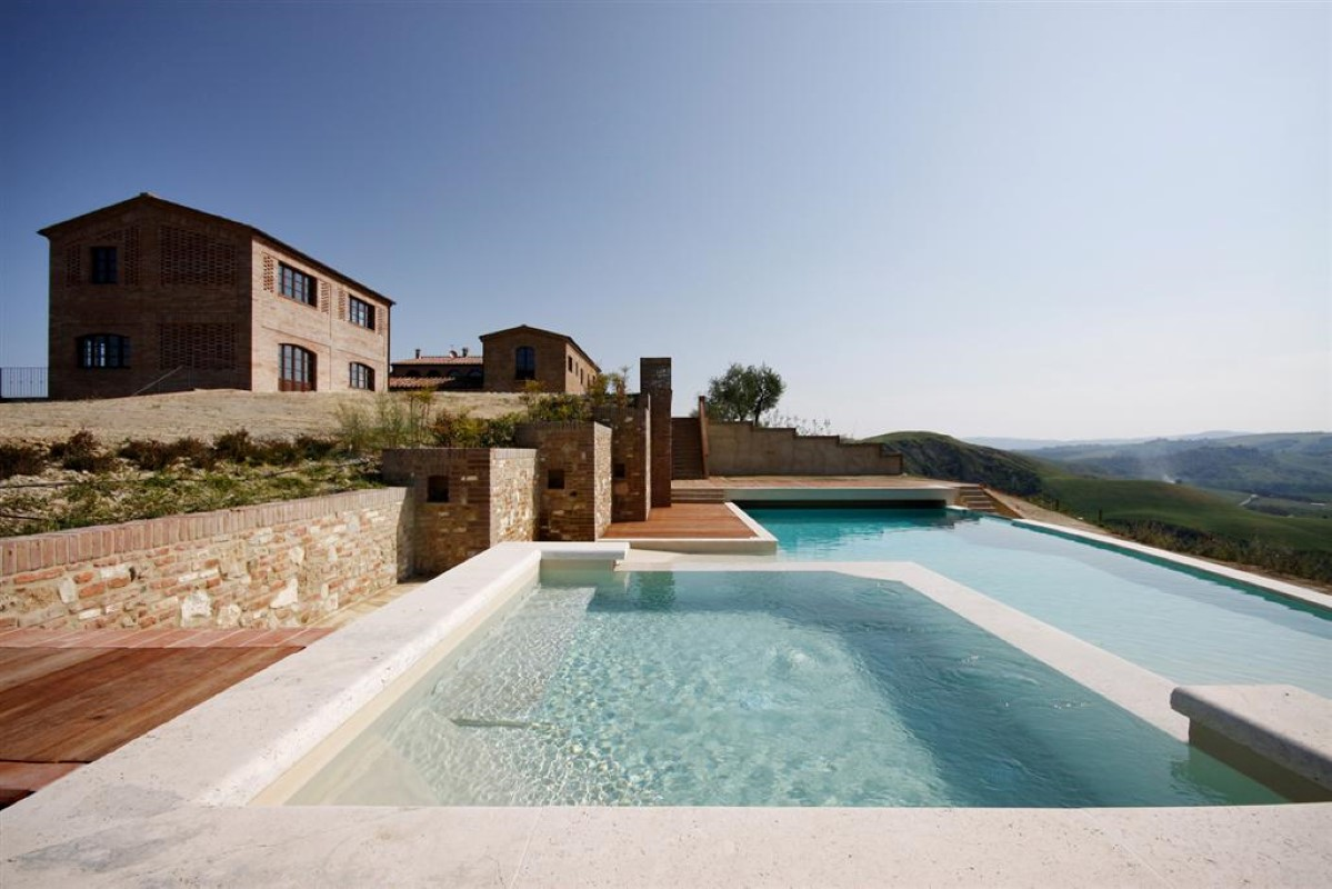 Maison unifamiliale pour l Vente à Unique family home with breath taking views of the Crete Senesi Asciano Asciano, Siena 53100 Italie