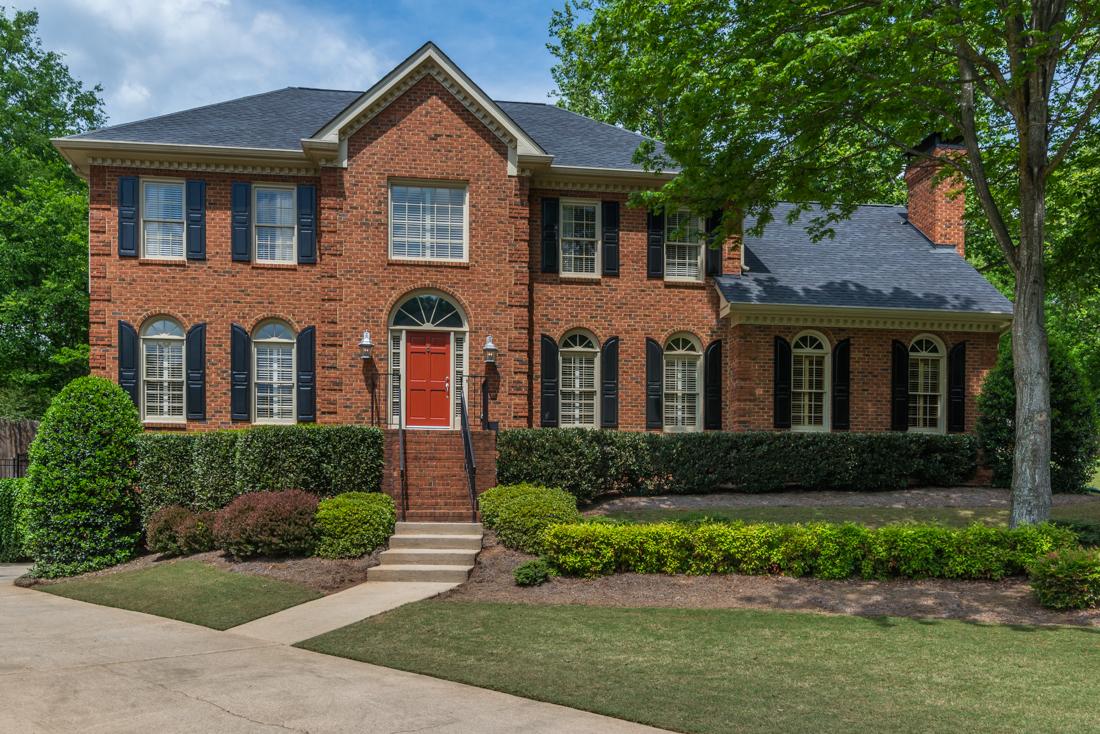 独户住宅 为 销售 在 Brick Beauty on Cul-de-sac! 430 Whitesmith Way Johns Creek, 乔治亚州, 30022 美国