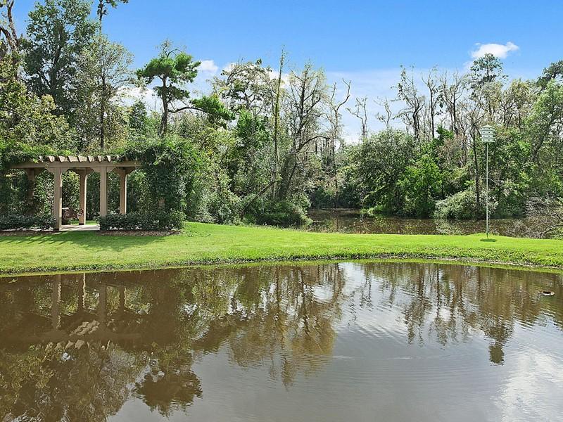 Additional photo for property listing at 4 Magnolia Pt.  Covington, Louisiana 70433 United States