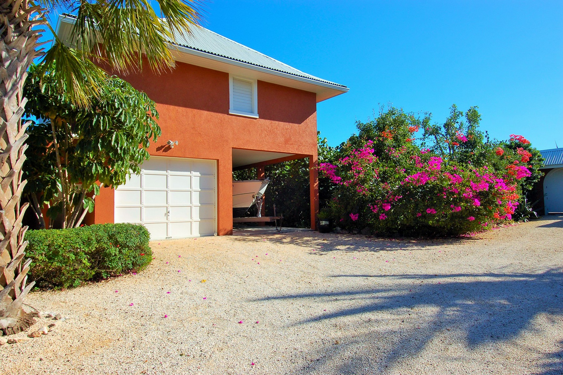 Additional photo for property listing at Casa Grazia Leeward, Providenciales Islas Turcas Y Caicos