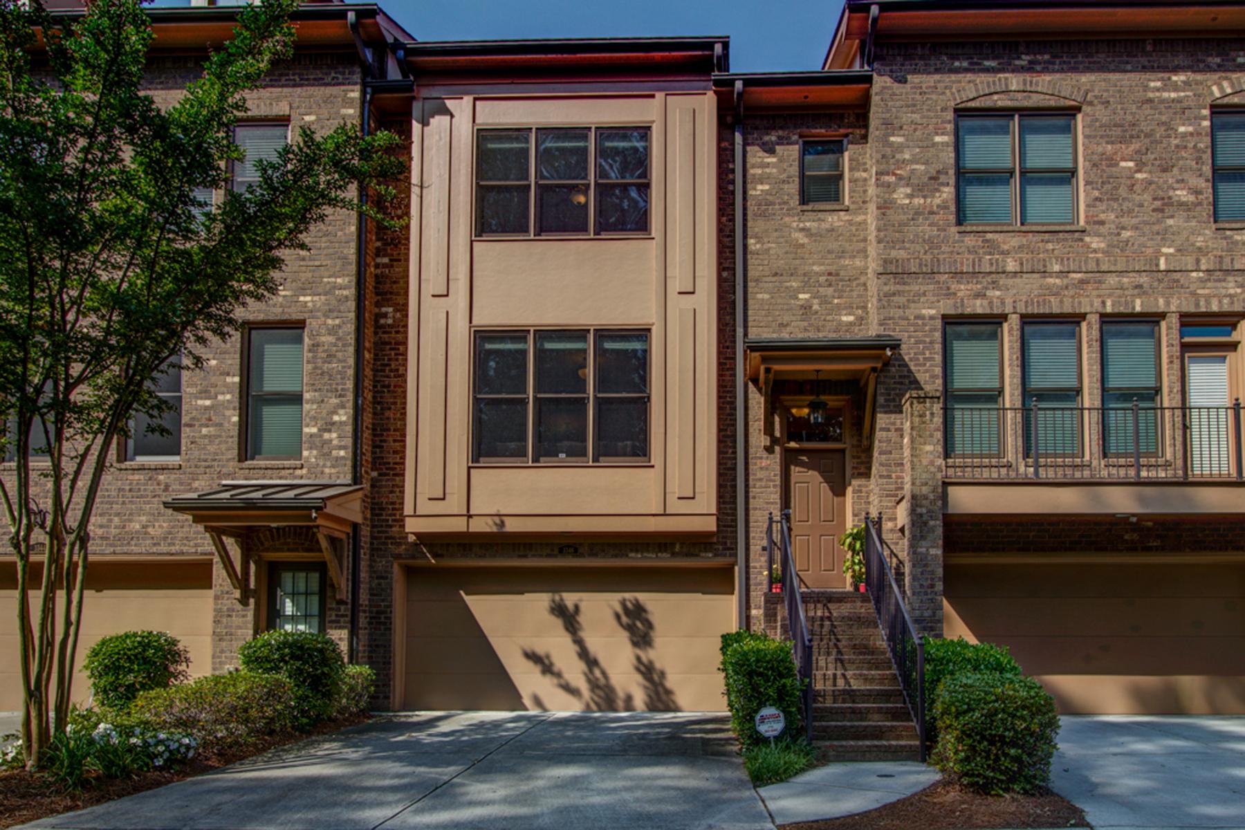 Residência urbana para Venda às Luxury Townhouse 3346 Chestnut Woods Circle Atlanta, Geórgia, 30340 Estados Unidos