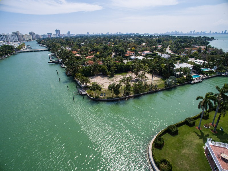Villa per Vendita alle ore 6455 Pinetree Dr Cr Miami Beach, Florida 33141 Stati Uniti