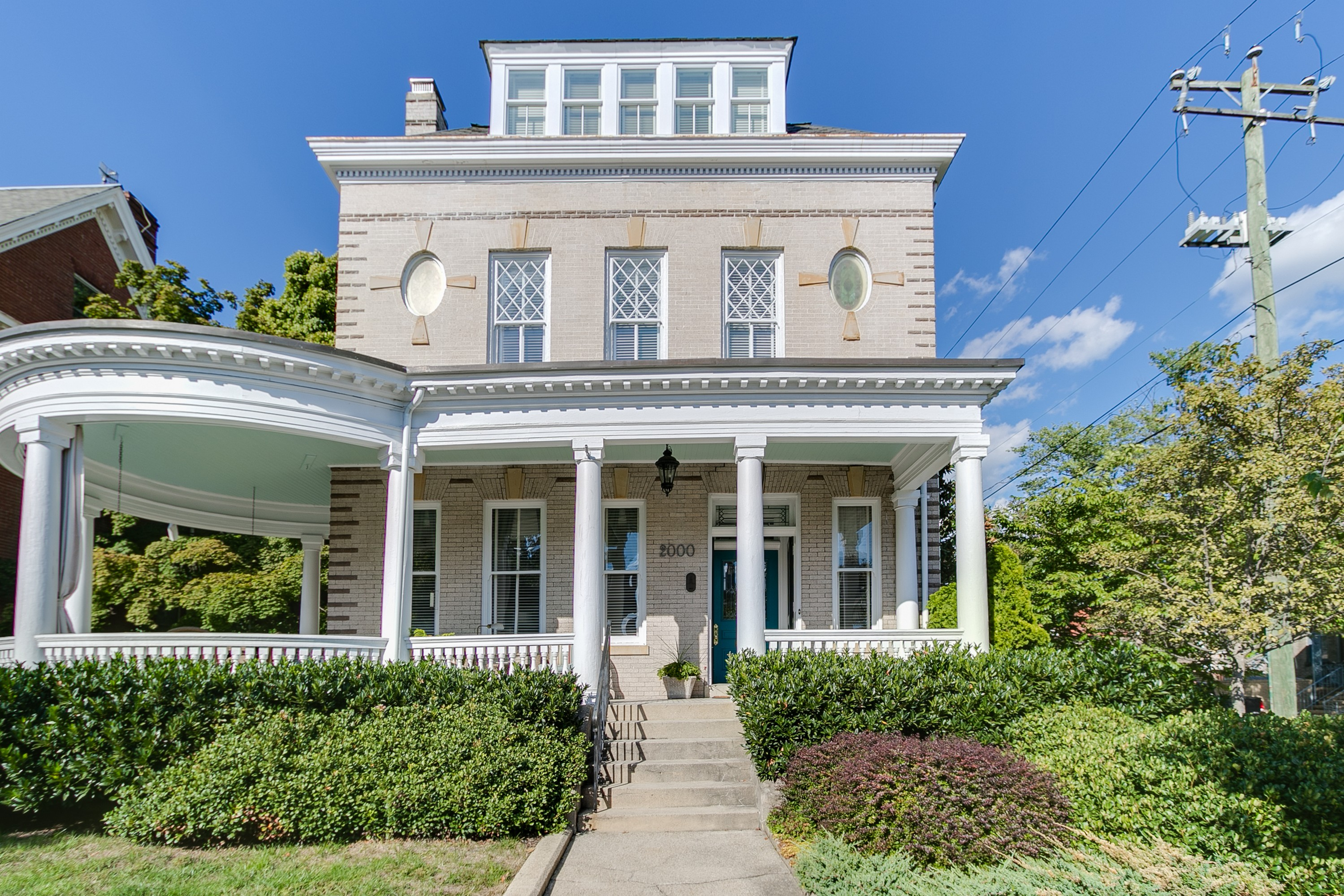 Casa Unifamiliar por un Venta en 2000 Monument Avenue Richmond, Virginia, 23220 Estados Unidos