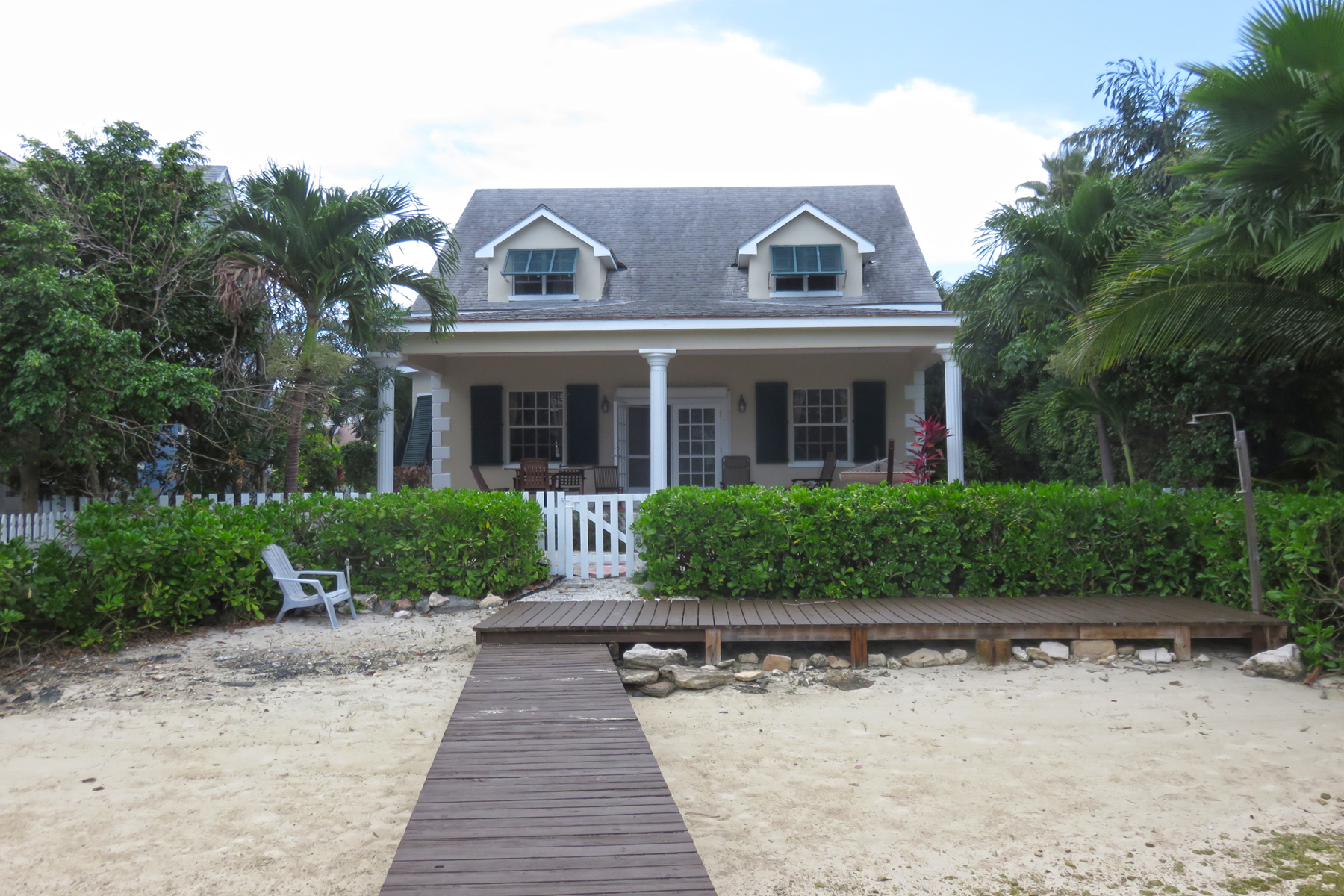 Single Family Home for Sale at Governor's Cay, Sandyport Sandyport, Cable Beach, Nassau And Paradise Island Bahamas
