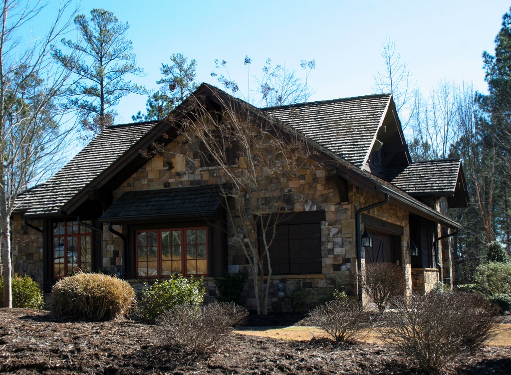 Villa per Vendita alle ore Wonderful Woodland Home with Maintenance-Free Living 201 Ironwood Court The Cliffs At Keowee Falls, Salem, Carolina Del Sud 29676 Stati Uniti