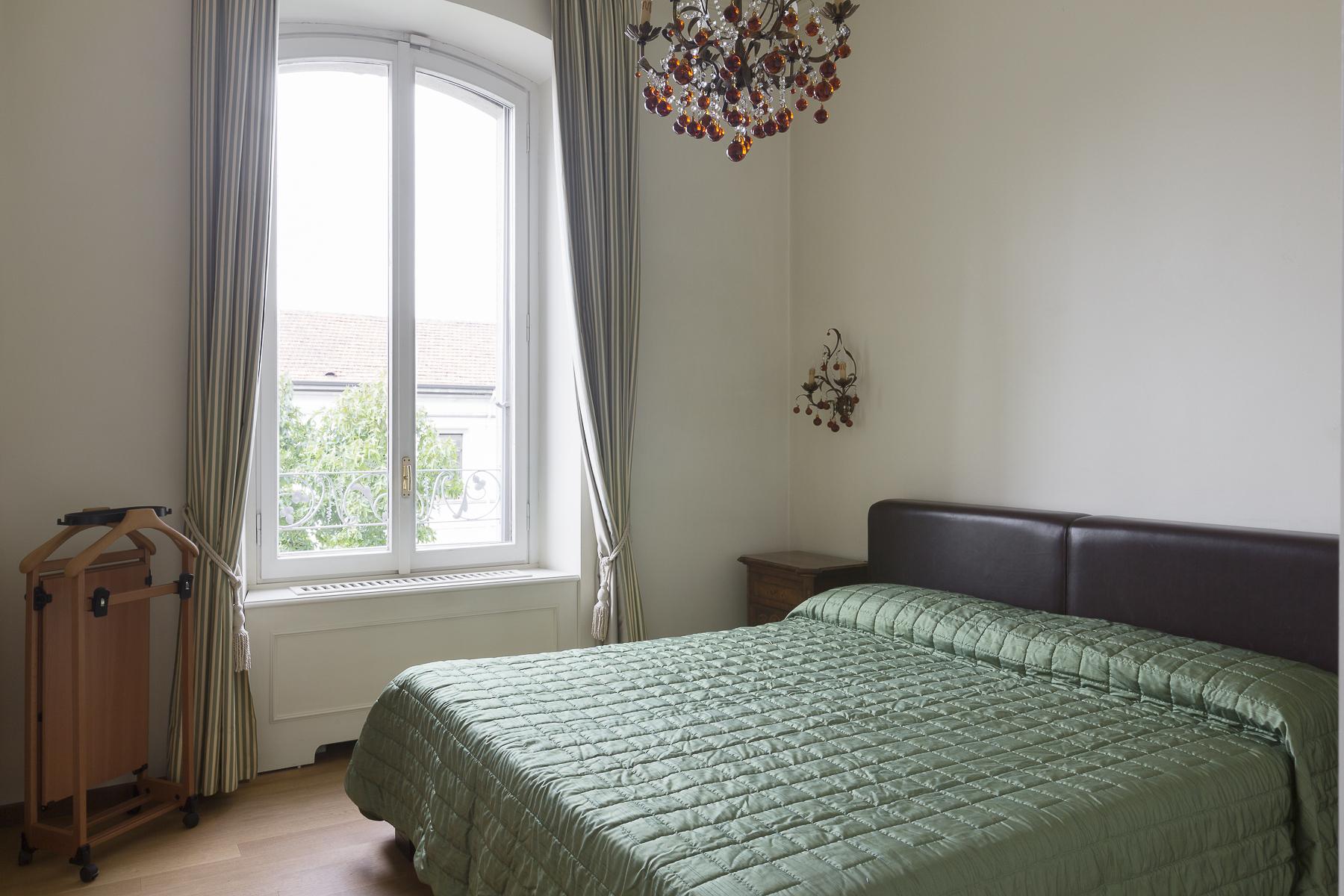 Additional photo for property listing at Prestigious apartament in elegant historical building Corso Sempione Milano, Milan 20145 Italien