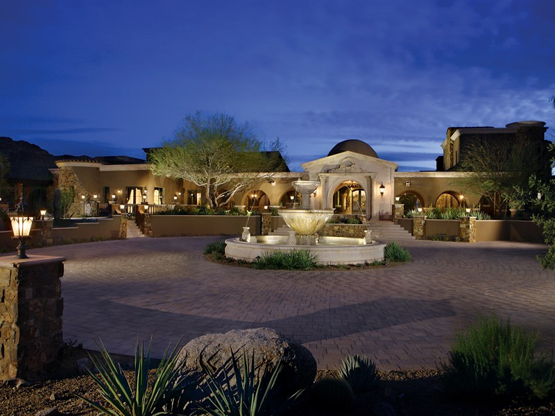 Casa Unifamiliar por un Venta en Mediterranean Masterpiece On 6.5+ Acres In Gated North Scottsdale Community 23036 N Via Ventosa Drive Scottsdale, Arizona 85255 Estados Unidos