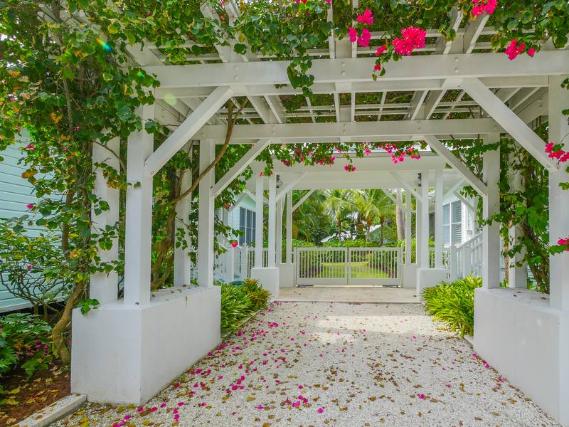 Property For Sale at 121 Palm Avenue