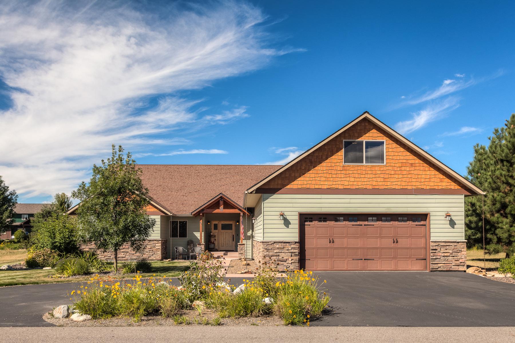 Vivienda unifamiliar por un Venta en Quality Home in Stoneridge 131 Links Dr Blanchard, Idaho, 83804 Estados Unidos