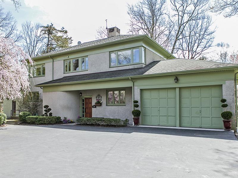 Maison unifamiliale pour l Vente à Stroll To Town, McCarter, And Princeton University 284 Mercer Street Princeton, New Jersey 08540 États-Unis