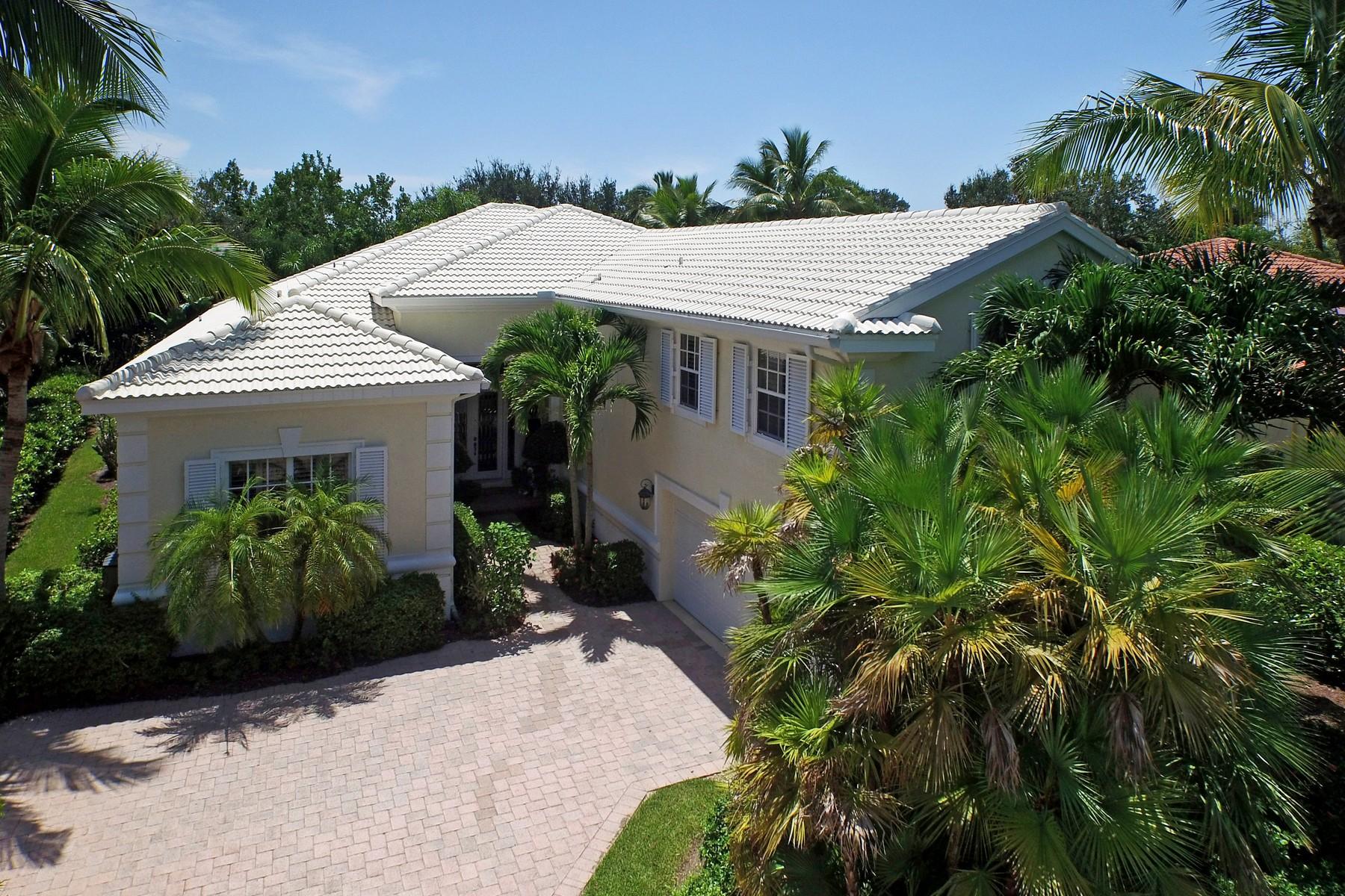 Villa per Vendita alle ore Exquisite home in Island Club 1373 W Island Club Square Vero Beach, Florida 32963 Stati Uniti