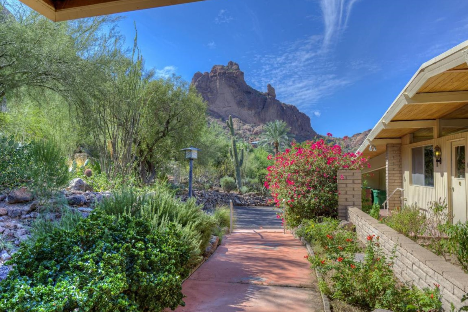 Single Family Home for Sale at Paradise Valley hillside home 5715 N 55th PL Paradise Valley, Arizona 85253 United States