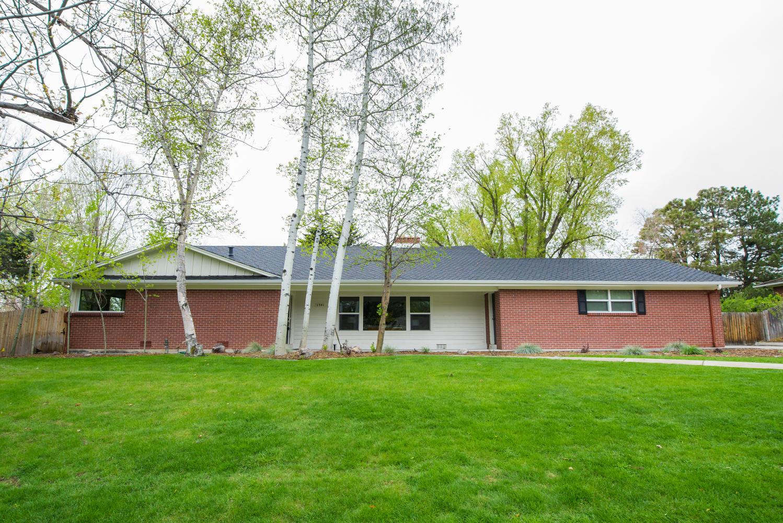 단독 가정 주택 용 매매 에 Exquisitely renovated home with open floor plan 3941 S Dahlia St Cherry Hills Village, 콜로라도, 80113 미국
