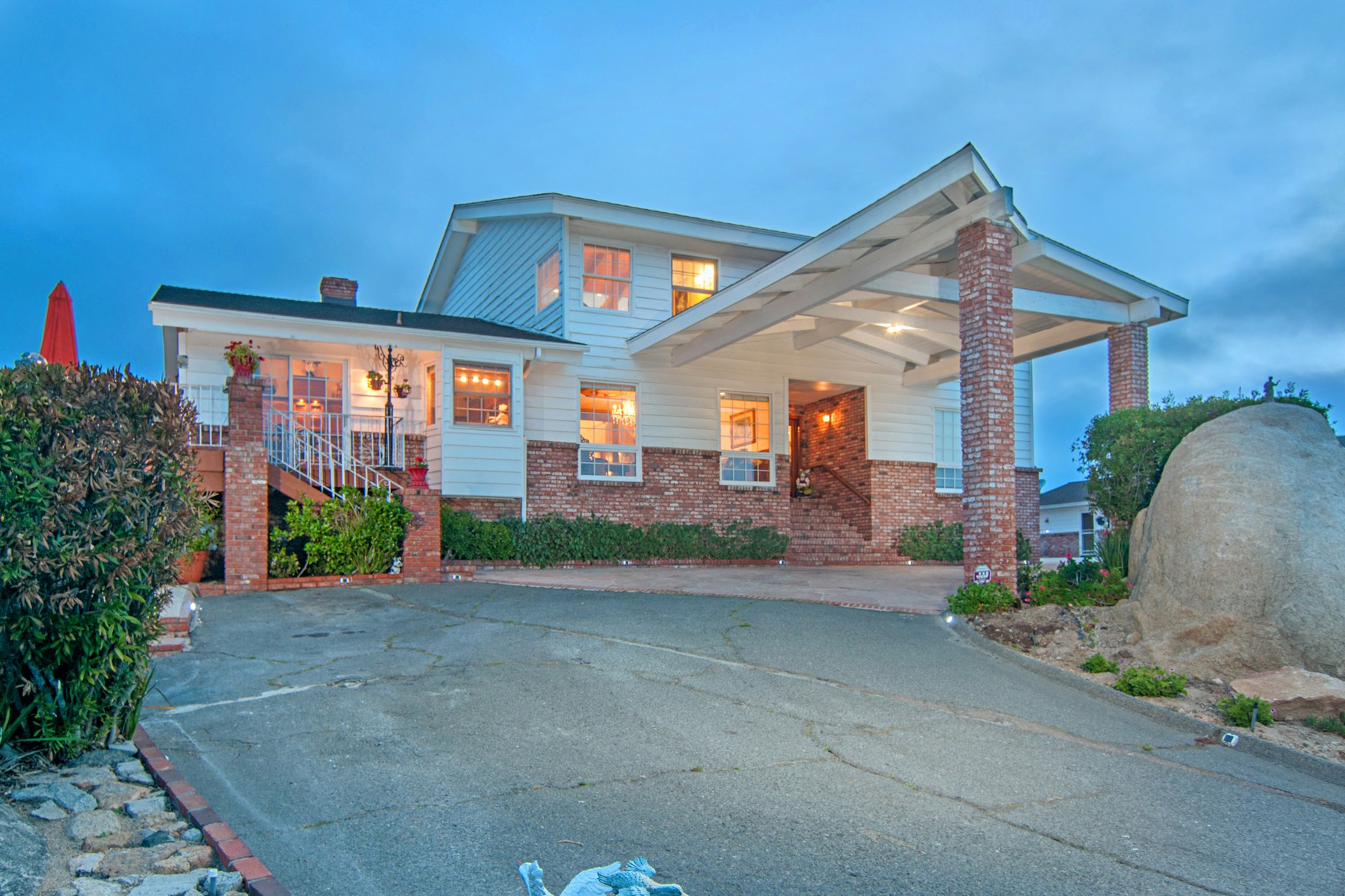 Casa Unifamiliar por un Venta en 2171 Rockhoff Road Escondido, California 92026 Estados Unidos