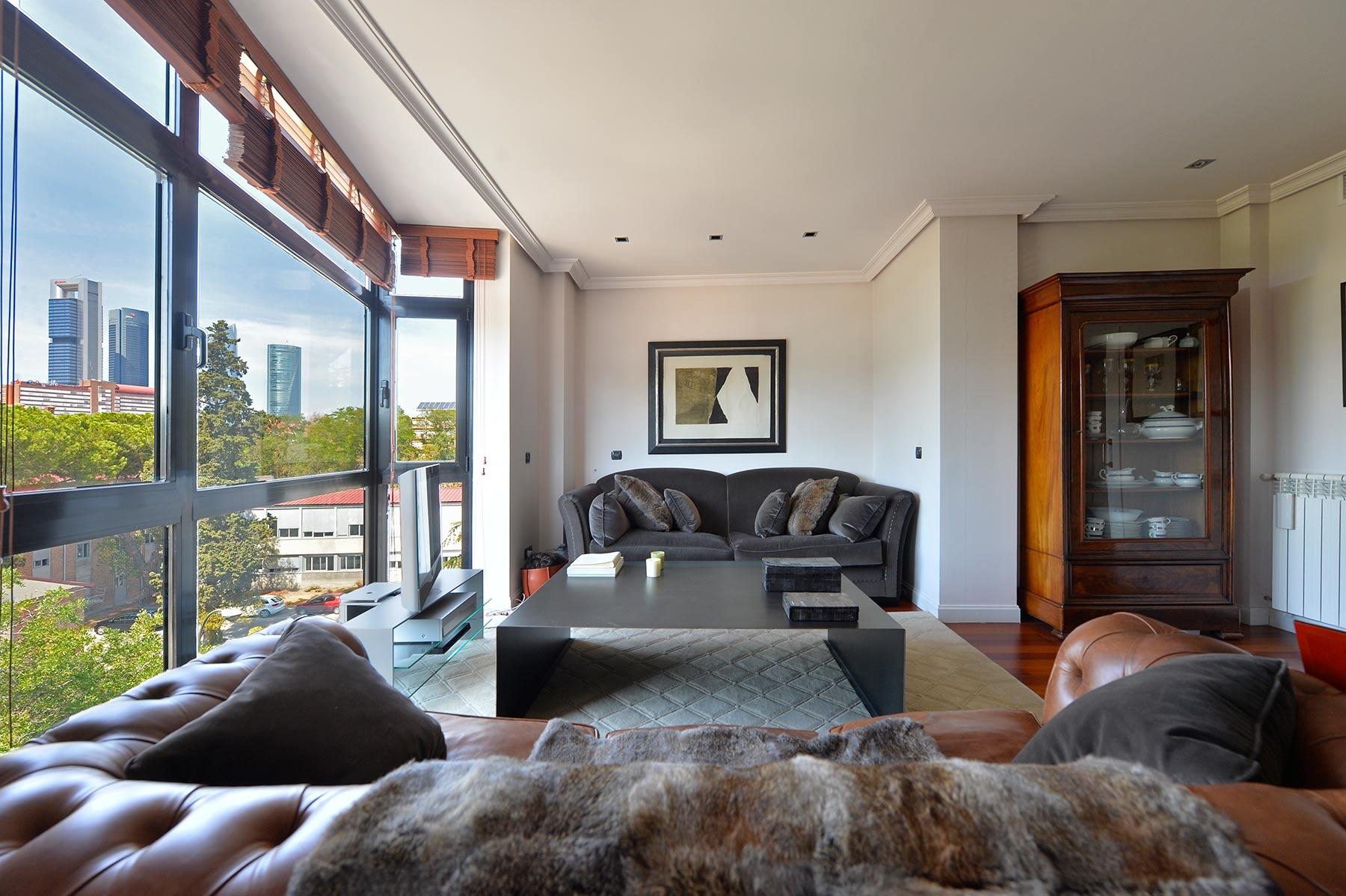 Apartment for Sale at Excelente piso en zona residencial de Madrid Madrid, Madrid, Spain