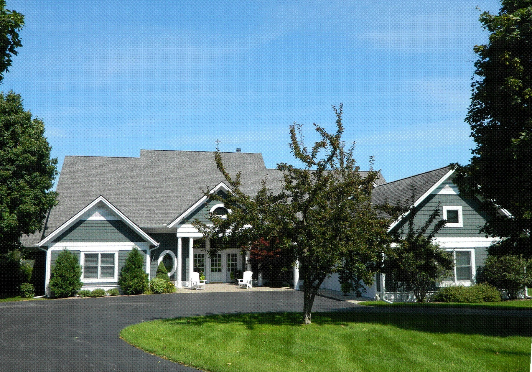 獨棟家庭住宅 為 出售 在 Exceptional Home overlooking Birchwood's 5th fairway 2286 Pinecrest Harbor Springs, 密歇根州, 49740 美國