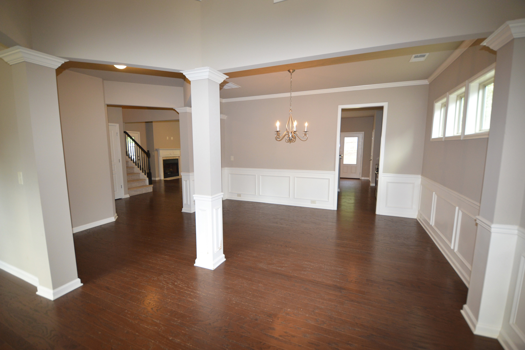 Additional photo for property listing at Gorgeous Open Floor Plan with Two-Story Foyer 5510 Kings Hill Drive Cumming, Georgien 30040 Usa