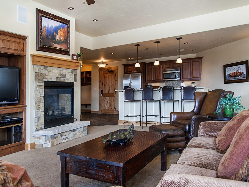 Condominium for Sale at Luxurious Three Bedroom Steamboat Condo 1750 Medicine Springs Dr. #6202 Steamboat, Colorado 80487 United States