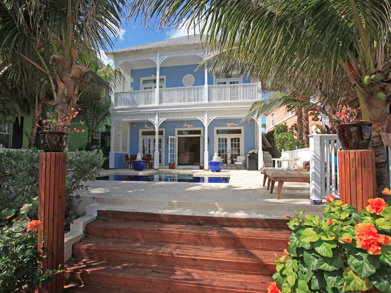 Single Family Home for Sale at Kingfisher Island Home, Sandyport Kingfisher Island, Sandyport #24 Cable Beach, Nassau And Paradise Island . Bahamas