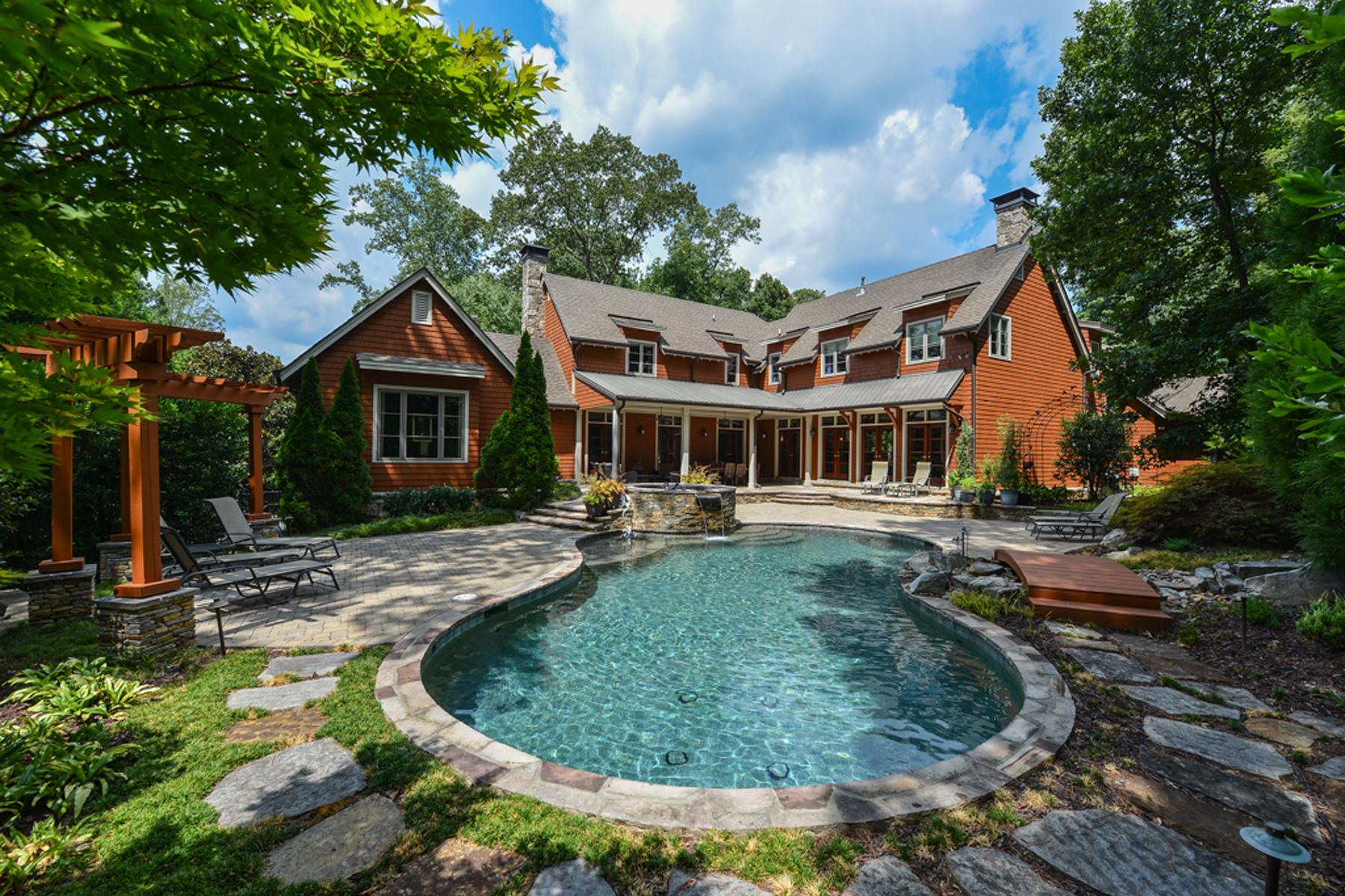Villa per Vendita alle ore Exceptional Custom Home Nestled In A Beautiful Wooded Setting 5281 Vernon Springs Trail Atlanta, Georgia 30327 Stati Uniti