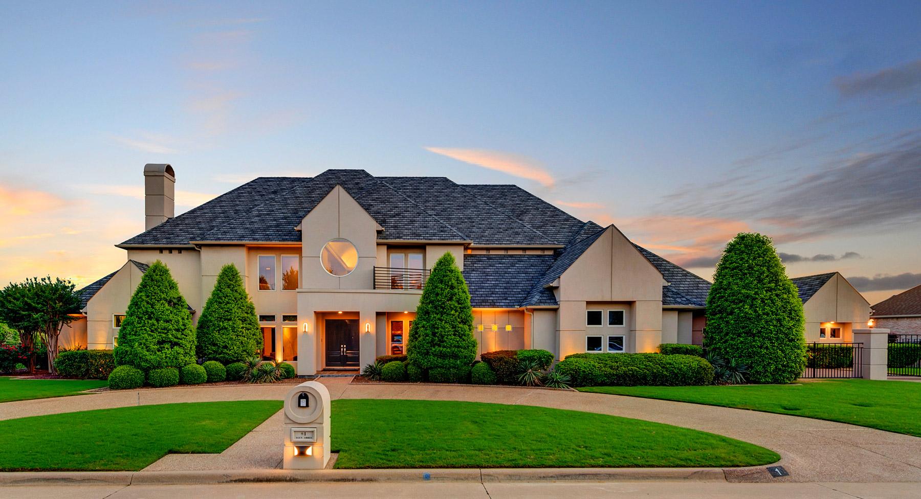 Vivienda unifamiliar por un Venta en Walnut Creek Contemporary 1 Glen Abbey Ct Mansfield, Texas 76063 Estados Unidos