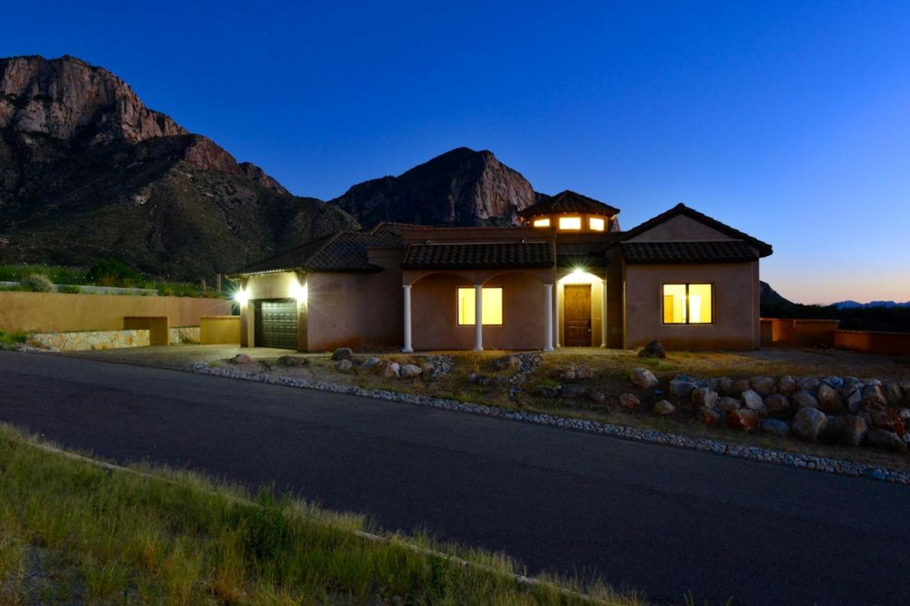 Single Family Home for Sale at Newly Constructed Home With Breathtaking Unobstructed Pusch Ridge Views 2520 E Delia Roccia Court Oro Valley, Arizona 85737 United States