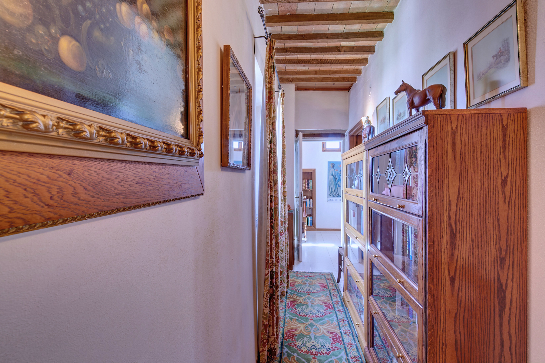 Additional photo for property listing at Apartment with roof garden in the historic center of Citerna Citerna, Perugia Italia