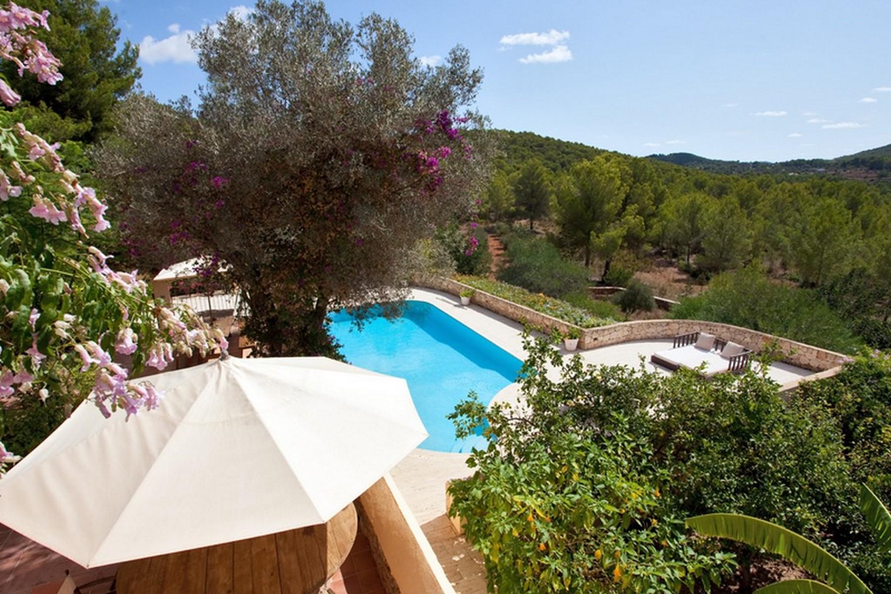 Частный односемейный дом для того Продажа на Country Finca Estate With Adjacent Staff House Ibiza, Ивиса, 07819 Испания