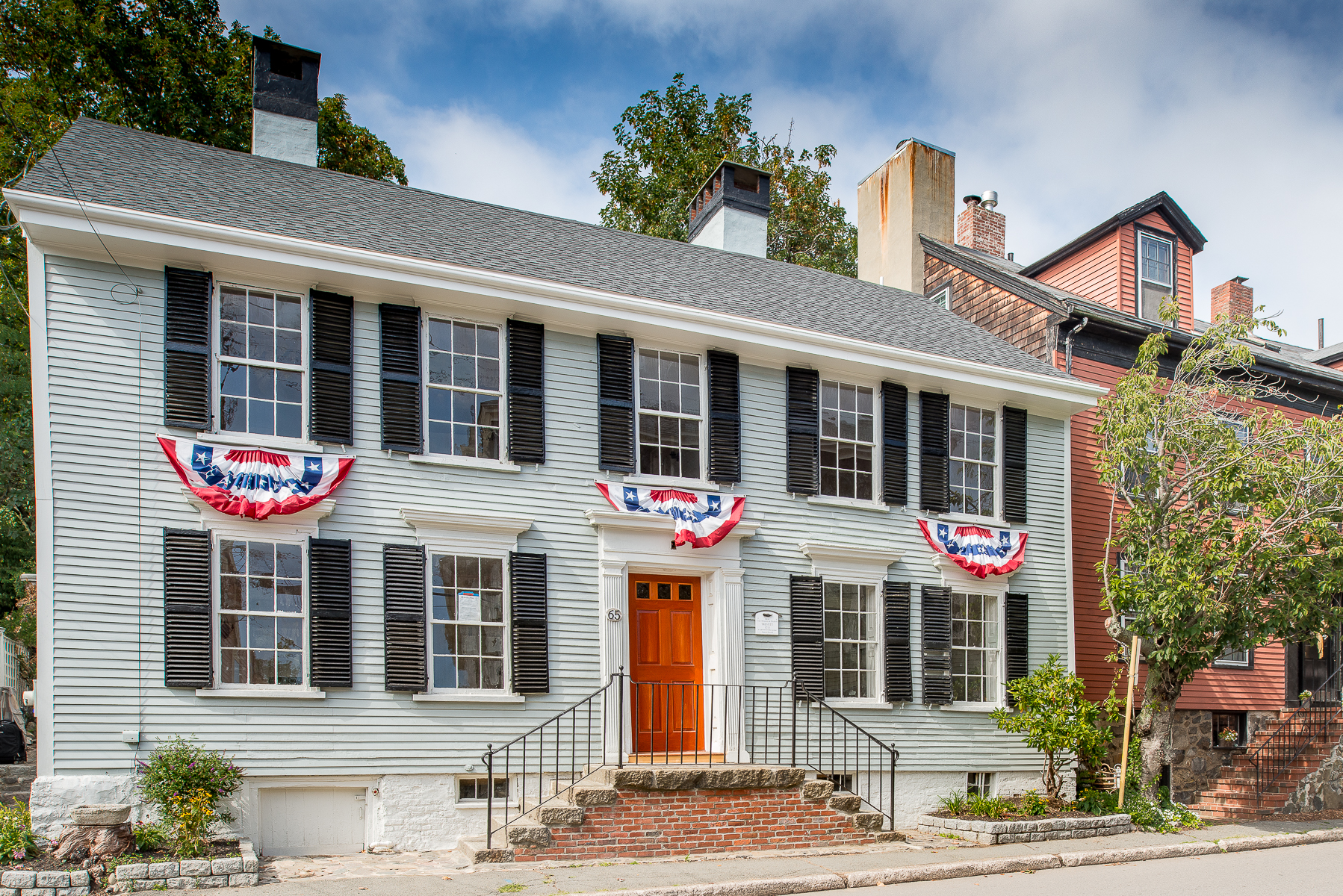 "Casa Unifamiliar por un Venta en Wonderful Renovated ""Old Town"" Antique 65 Washington Street Marblehead, Massachusetts, 01945 Estados Unidos"