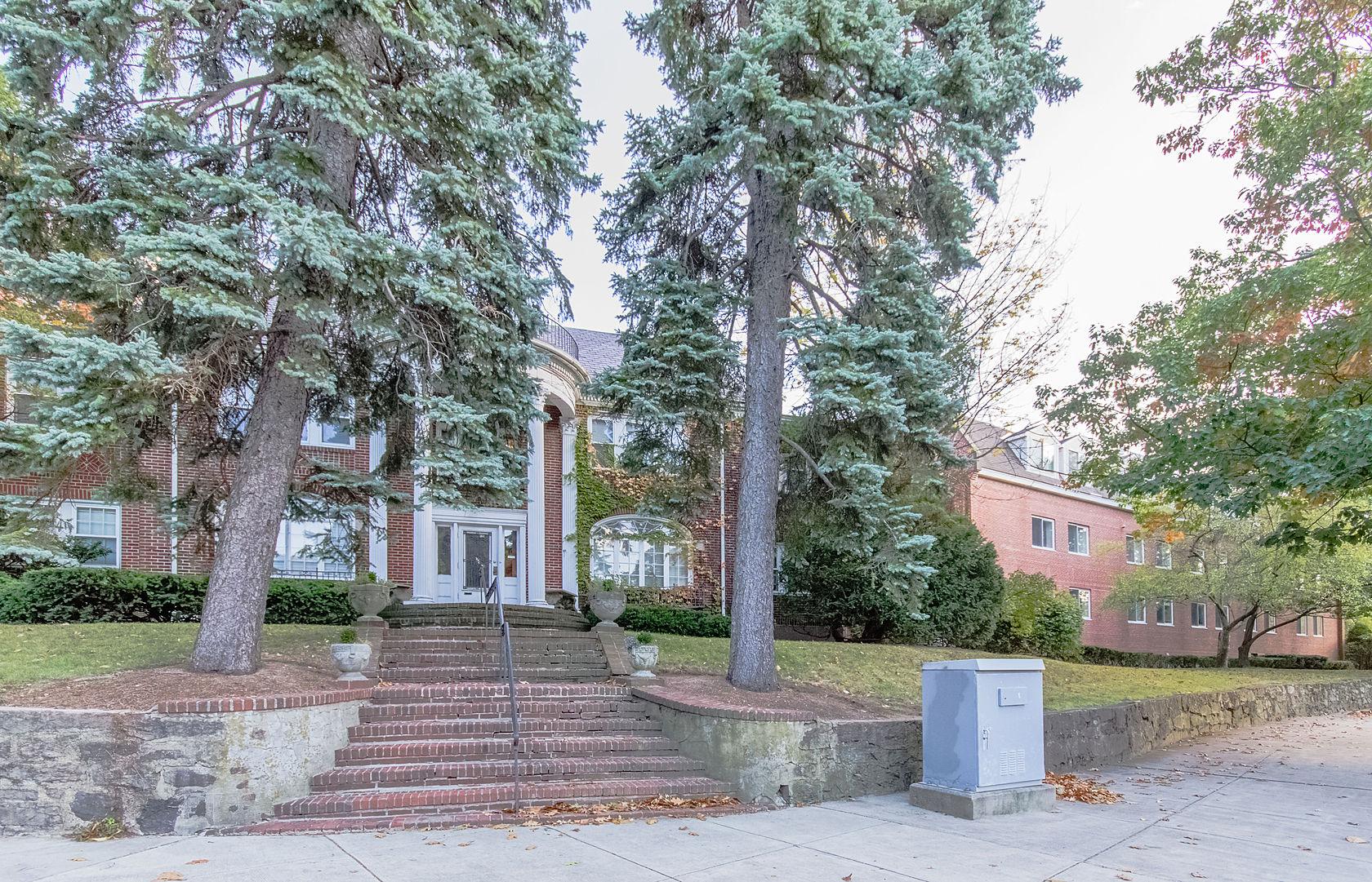 Nhà chung cư vì Bán tại 332 Jamaicaway #5 Jamaica Plain, Boston, Massachusetts 02130 Hoa Kỳ
