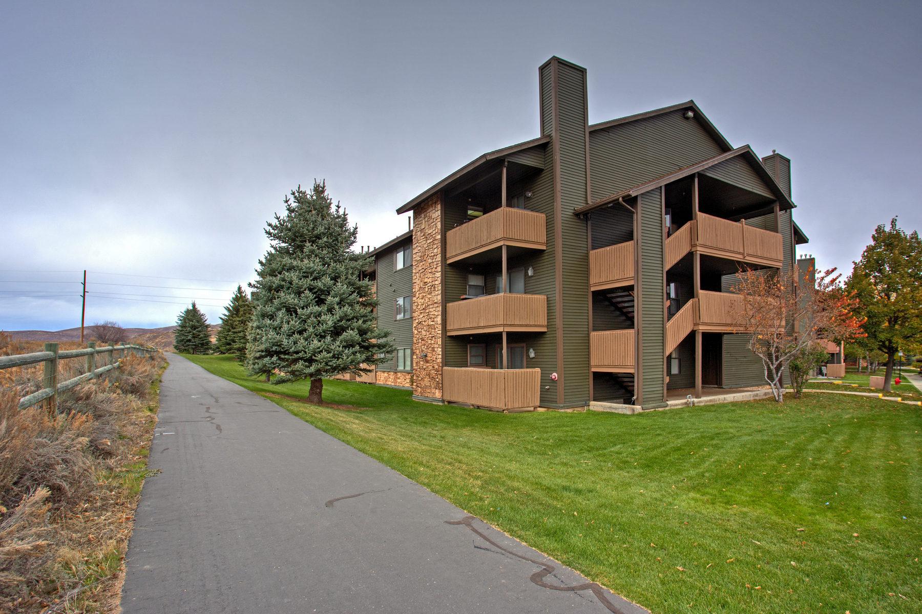 콘도미니엄 용 매매 에 Excellent Primary or Investment Two-Bedroom Condo 6841 N 2200 W #13N Park City, 유타 84098 미국
