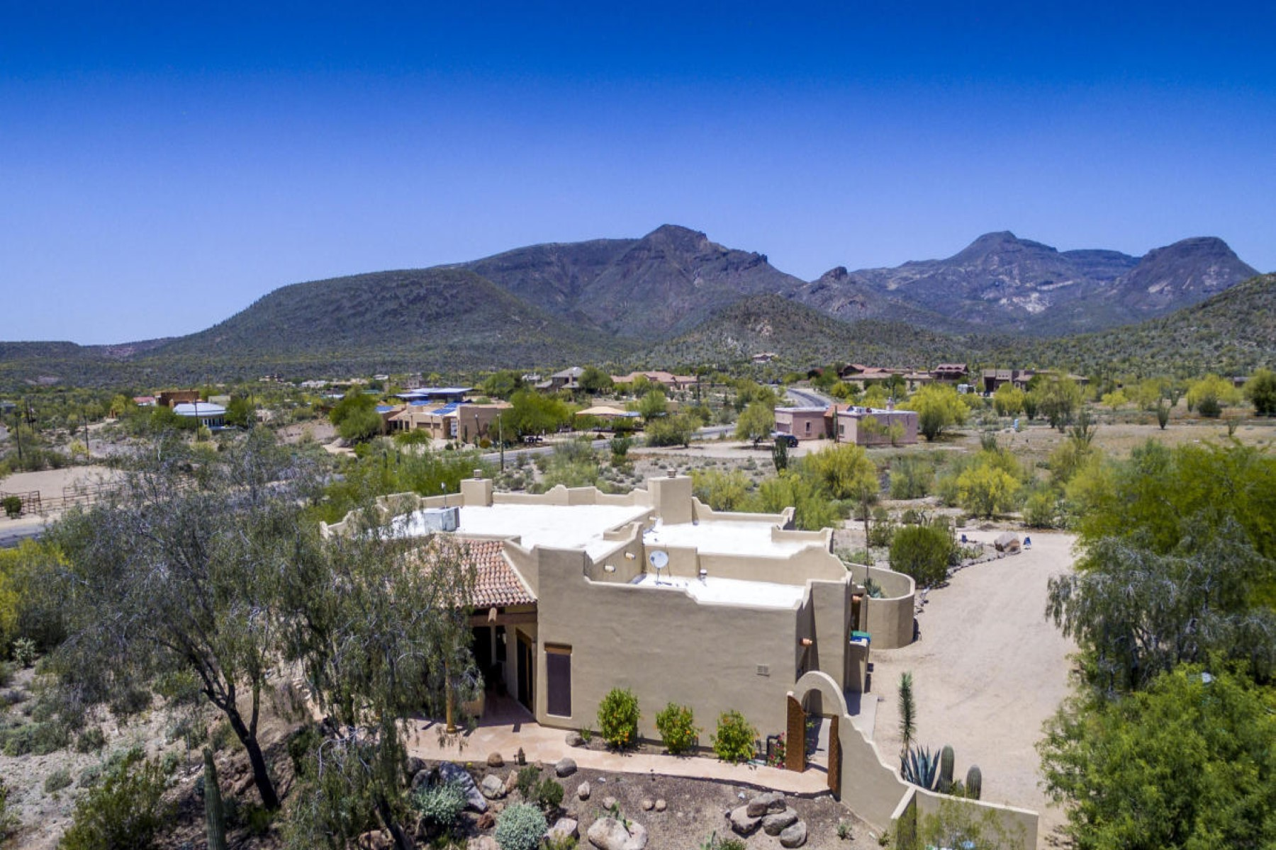 Maison unifamiliale pour l Vente à Southwest charmer located in Trails at Spur Cross Preserve. 5725 E Morning Star RD Cave Creek, Arizona, 85331 États-Unis