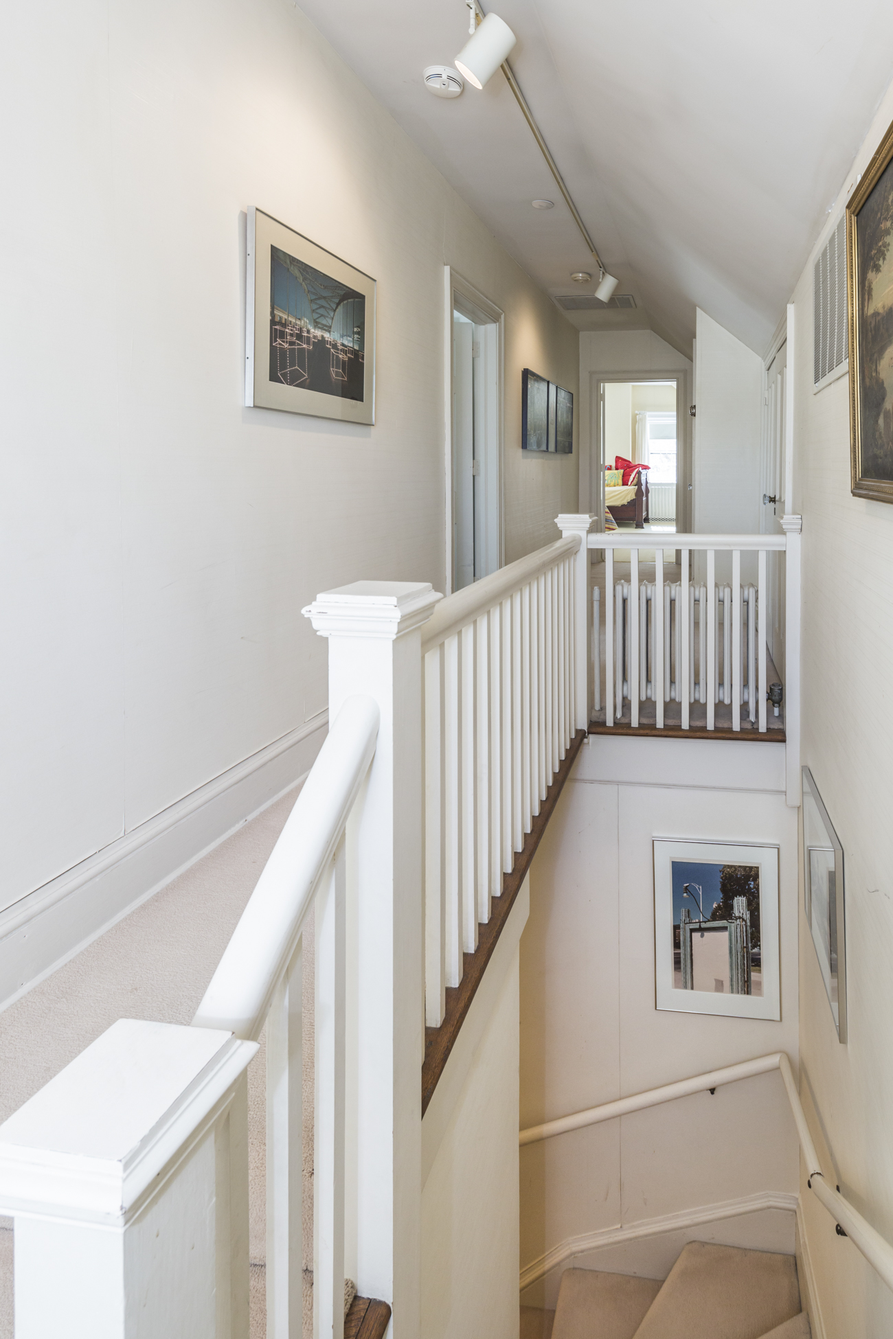 Additional photo for property listing at A Warm and Noble Presence in the Western Section 80 Westcott Road Princeton, Нью-Джерси 08540 Соединенные Штаты