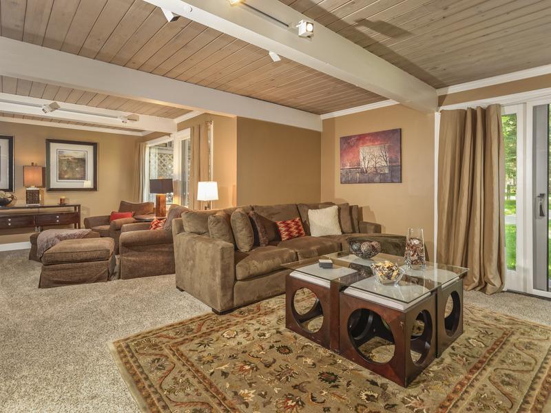 Condominium for Sale at Quintessential Aspen Condo 700 Ute Avenue #102 Central Core, Aspen, Colorado 81611 United States