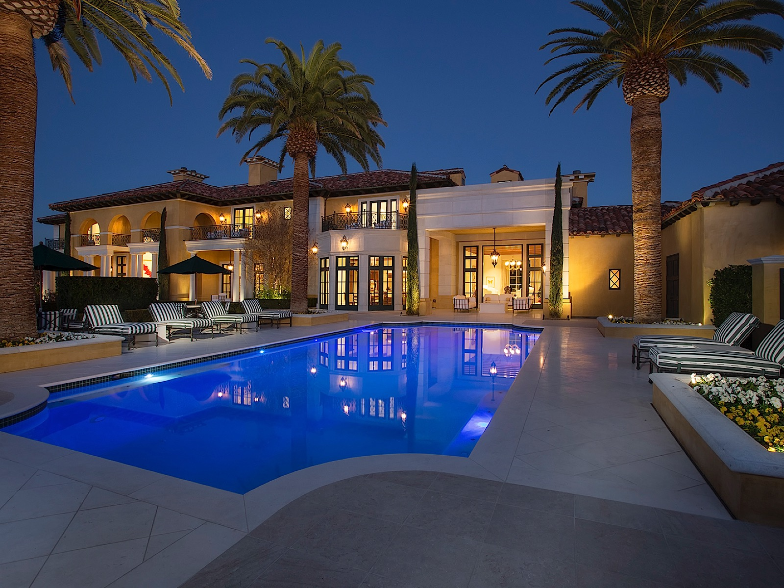 Single Family Home for Active at The Rameses Estate at the Enclave On the Most Prestigious Street in Las Vegas 1717 Enclave Court Las Vegas, Nevada 89134 United States