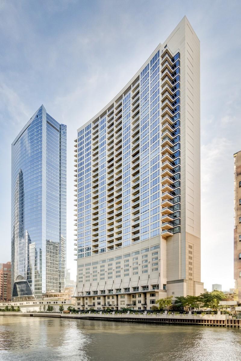 Appartement en copropriété pour l Vente à Residence 3205 333 N Canal Street Unit 3205 Near West Side, Chicago, Illinois, 60606 États-Unis