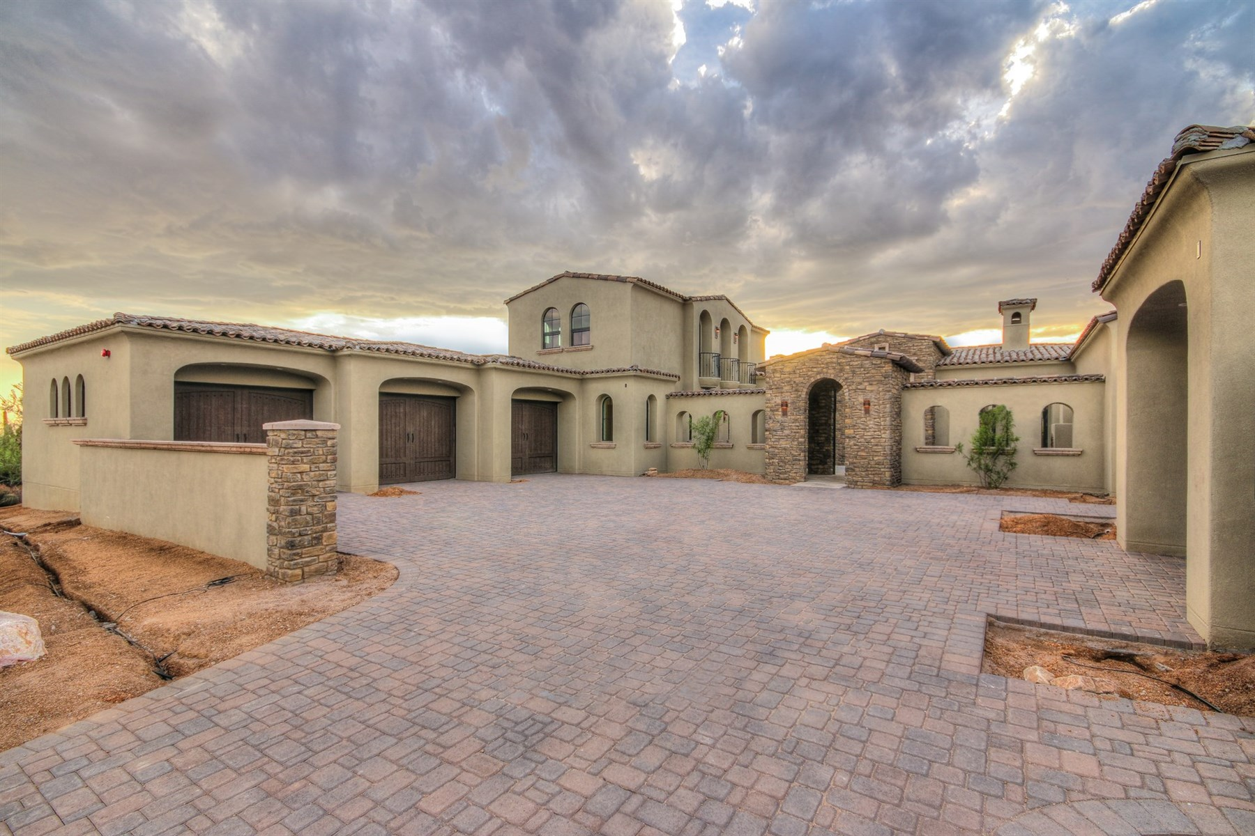 Single Family Home for Sale at Now fully completed in desert mountain sweeping mountain and city lights. 40036 N 107TH PL Scottsdale, Arizona 85262 United States