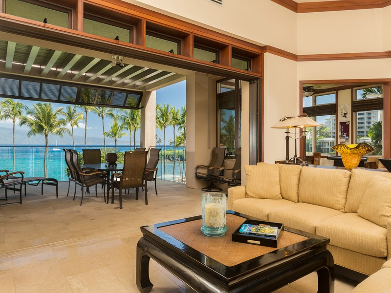 Appartement en copropriété pour l Vente à In this beautiful residence, inspiration is drawn from reflection 16 Coconut Grove Ln Kapalua, Hawaii 96761 États-Unis