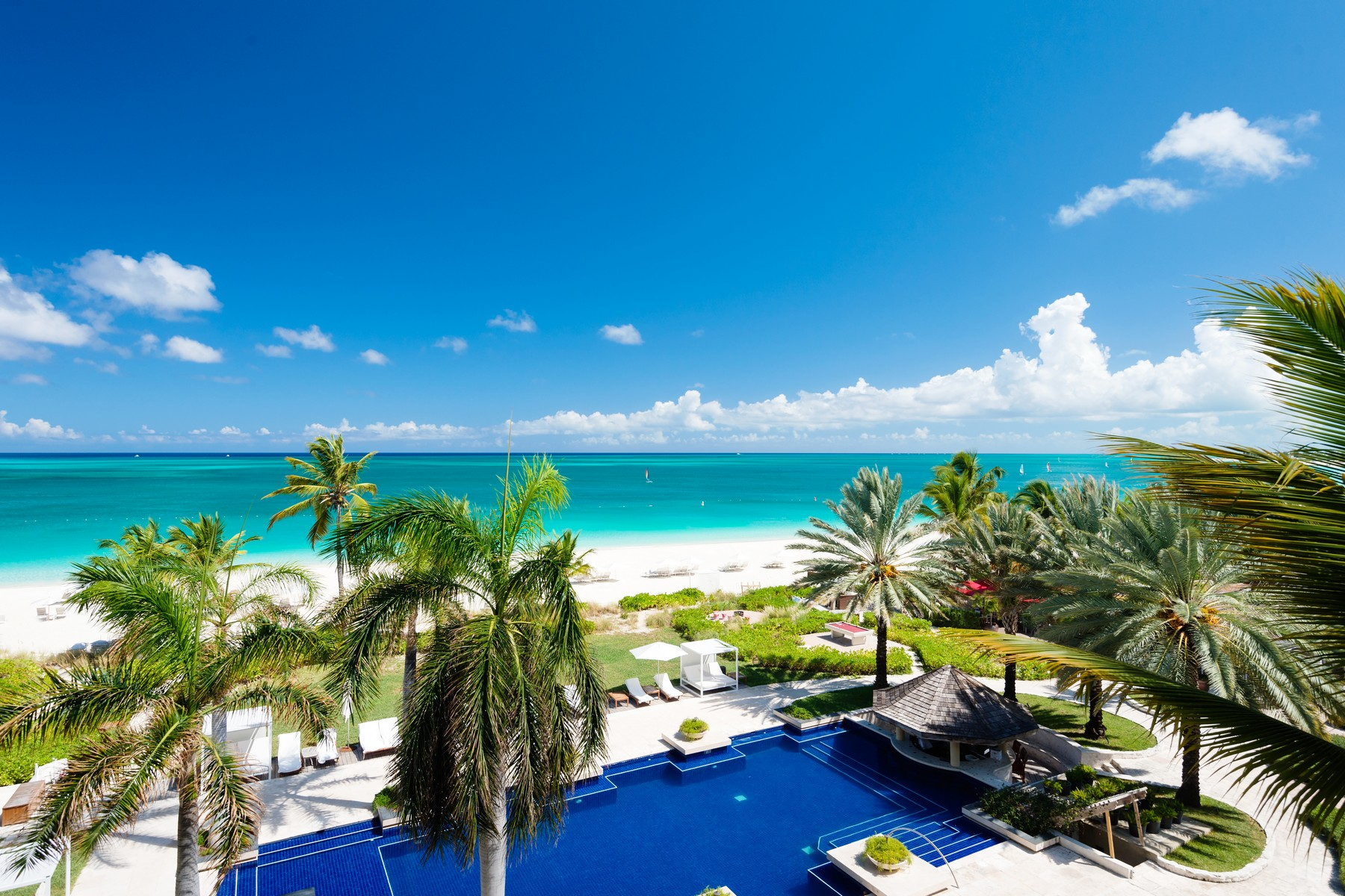 Condominio per Vendita alle ore Villas at Grace Bay Club - D401.402 Beachfront Grace Bay, Providenciales TCIBWI Turks E Caicos