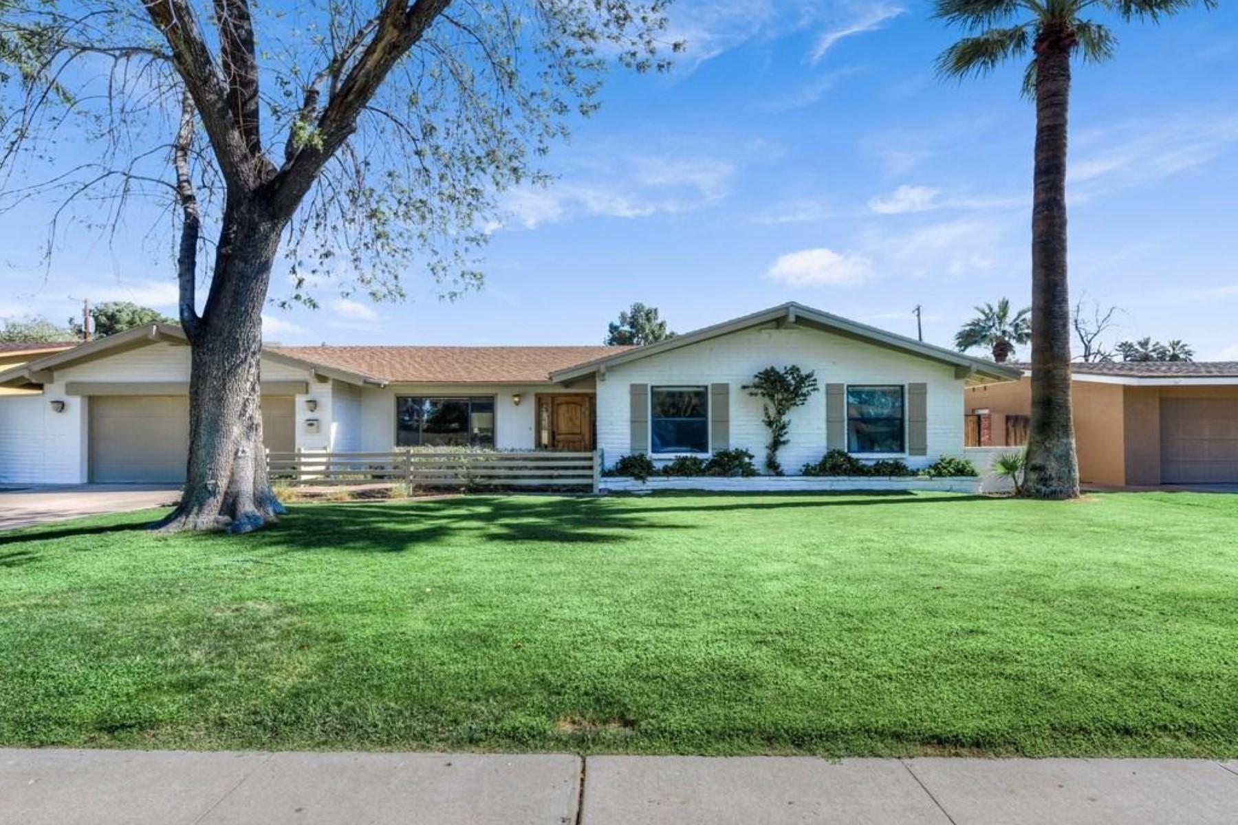 一戸建て のために 売買 アット Recently remodeled stylish ranch home 4527 N 35th St Phoenix, アリゾナ, 85018 アメリカ合衆国